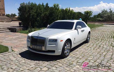 Պատվերով շքեղ հարսանեկան մեքենա Ռոլլս-Ռոյս Գոստ