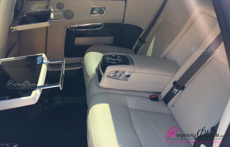 Exclusive rent a car Rolls-Royce Ghost for wedding in Yerevan