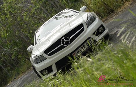 Կուպե կաբրիոլետ մեքենա հարսանիքին Mercedes AMG SL 63 դիմացից