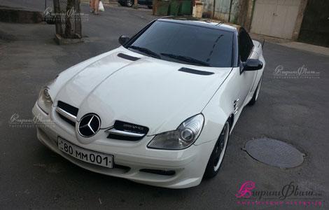 Երկտեղանի կուպե կաբրիոլետ հարսանեկան մեքենա Mercedes SLK լամբո դռներով