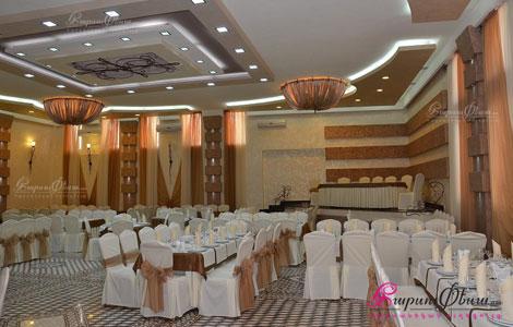 Интерьер банкетного зала для проведения свадеб ресторанного комплекса Бакос