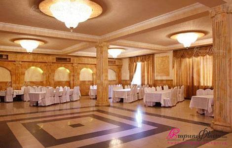 Зал для свадьбы в ресторанном комплексе Рена
