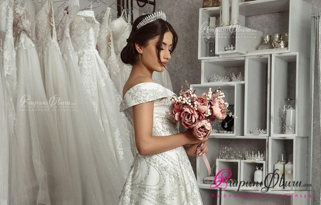 Свадебное платье от свадебного салона Fiore Bridal Boutique