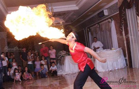 Огненное шоу на свадьбе в ресторане