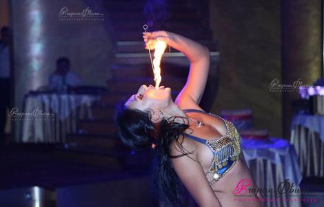 ԷԼԴՈՐԱԴՈ - արաբական պար հարսանիքին կրակներով