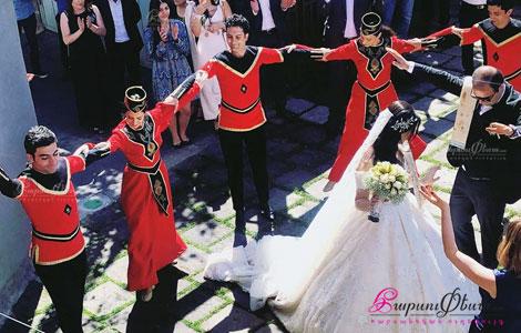 Хачатрян Данс Шоу - постановка таца для жениха и невесты