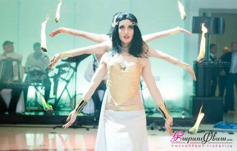 Lianna Khachatryan - arabakan kraknerov parayin show harsaniqin