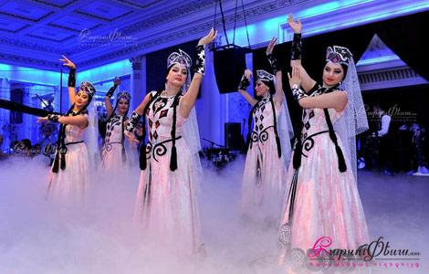Իռեն Դանս Շոու - հարսի պարի բեմադրություն ազգային տարազներով