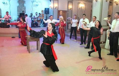 Կինտոների պարային շոու ծրագիր հարսանեկան երեկոյի ժամանակ