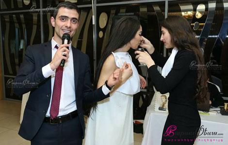 Handisavar Aram Goreyan varum e harsanyac handes restoranum
