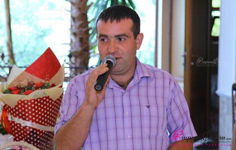 Ведущий на свадьбе Арам Хачатрян произносит тост
