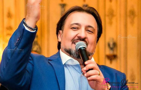 Showman tamada Arman Nersisyany harsaniqin kenac aselis norapsaknerin