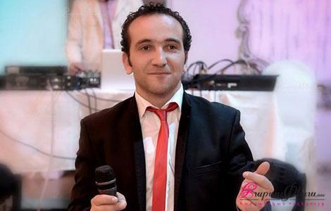 Ведущий на армянской свадьбе Артур Петросян произносит тост