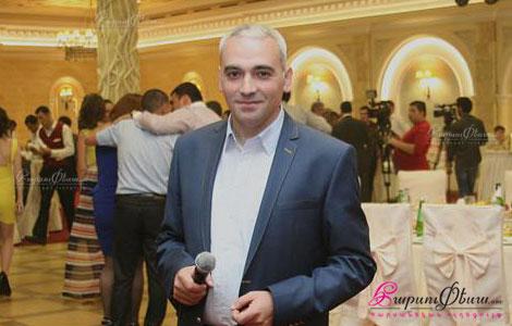 Свадебный тамада Айк Ханзадян (Бемел) на свадебном торжестве