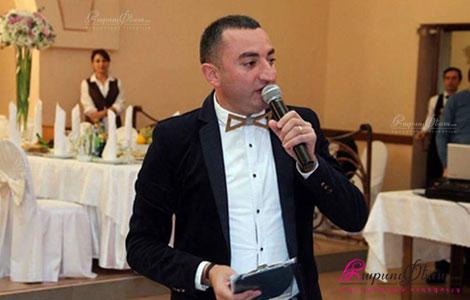 Թամադա Իվան Մովսիսյանը հարսանիքին կենաց ասելիս
