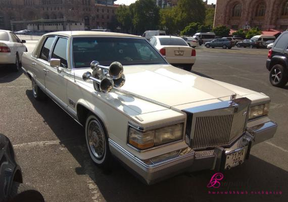 WEDDING CAR CADILLAC